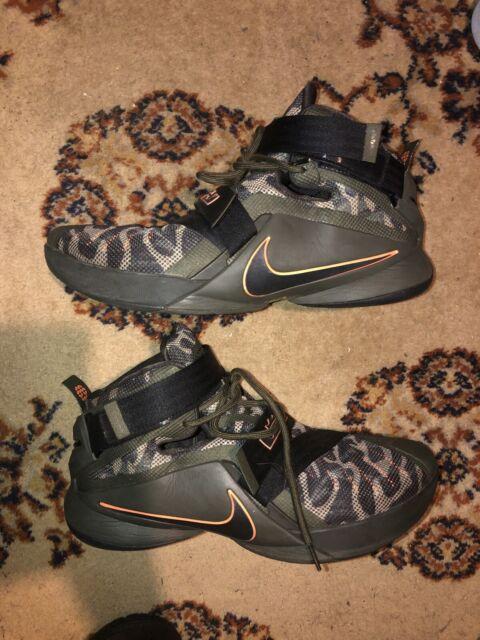 Men's Nike Lebron Soldier IX PRM Shoes