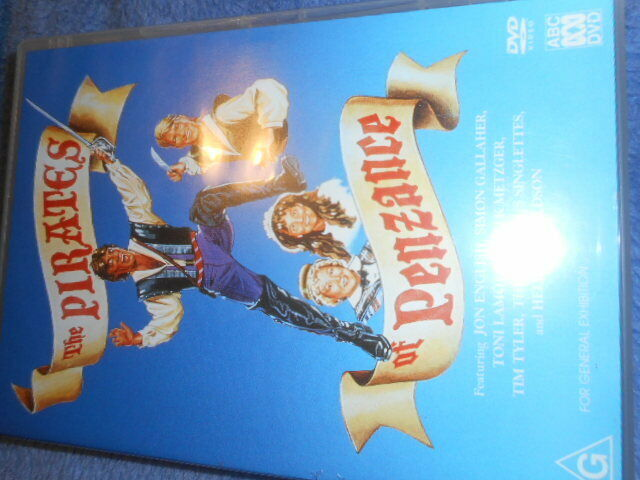 THE PIRATES OF PENZANCE DVD