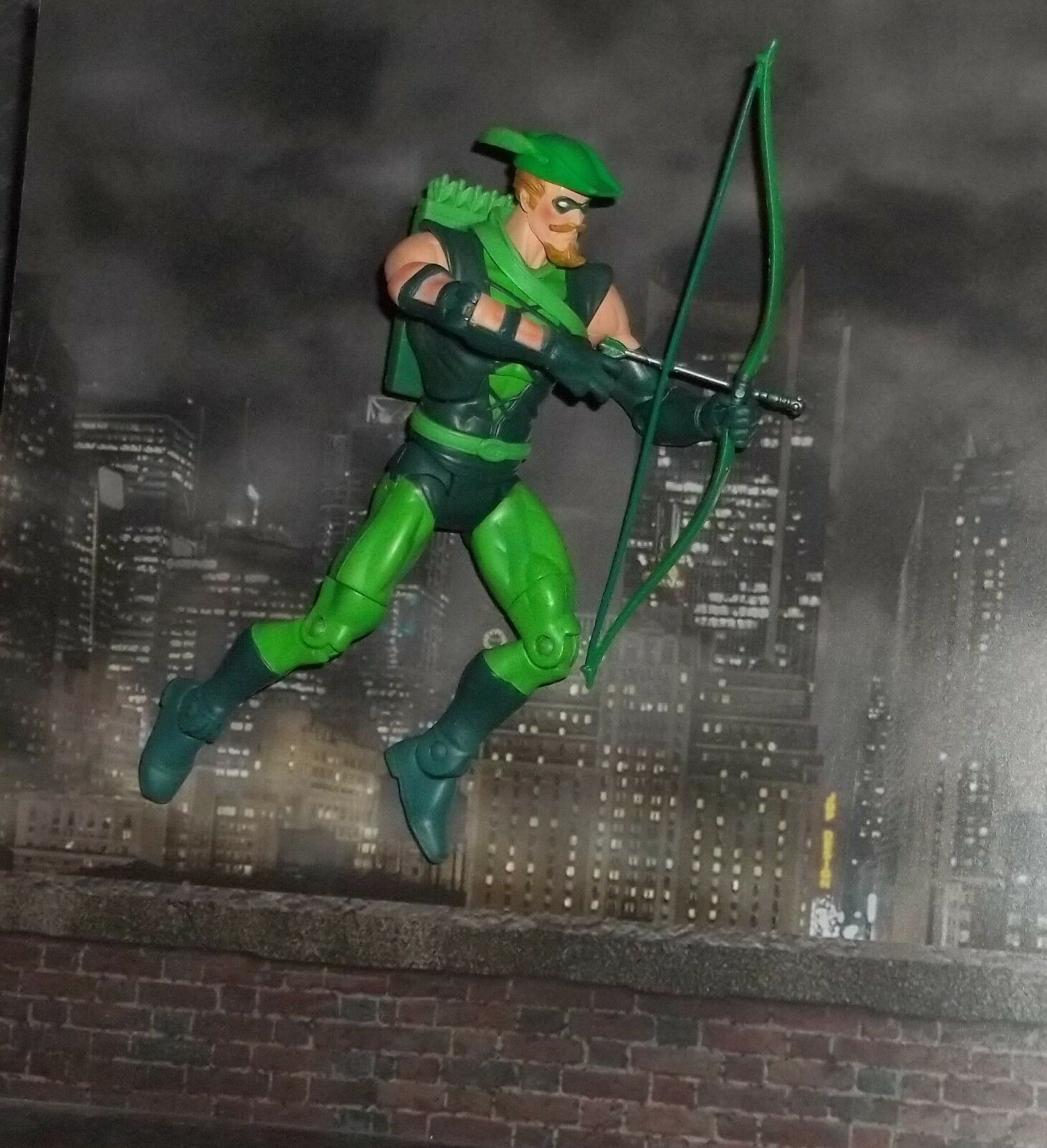 DC UNIVERSE CLASSICS WAVE 9 JUSTICE LEAGUE GREEN ARROW FIGURE