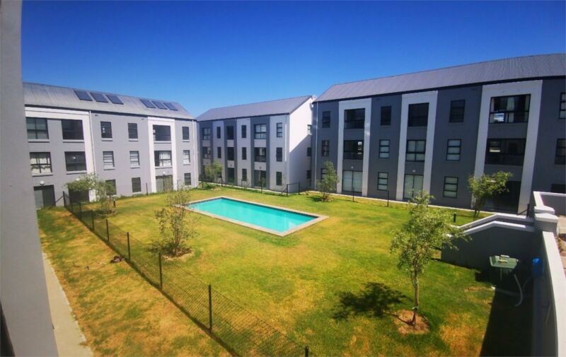 2 Bedroom Apartment To Let in Eerste River