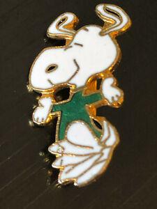 VINTAGE DE COLLECTION SNOOPY Coloré Métal Pin back lapel pin hat pin