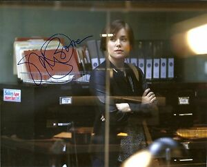 MEGAN-BOONE-BLACKLIST-8x10-Autograph-World-COA