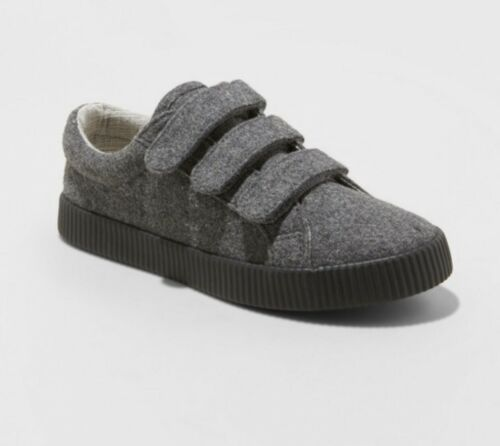 NEW Boys/' Wilson Low Top Sneakers Cat /& Jack Gray Soft Feel