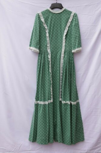 Vintage Gunne sax Style Daisy Green Lace Floral Pr