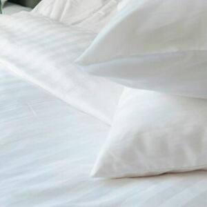 Satin-Blanc-Rayure-Taille-Super-King-Housse-de-Couette-amp-Taies-D-039-Oreiller-Neuf