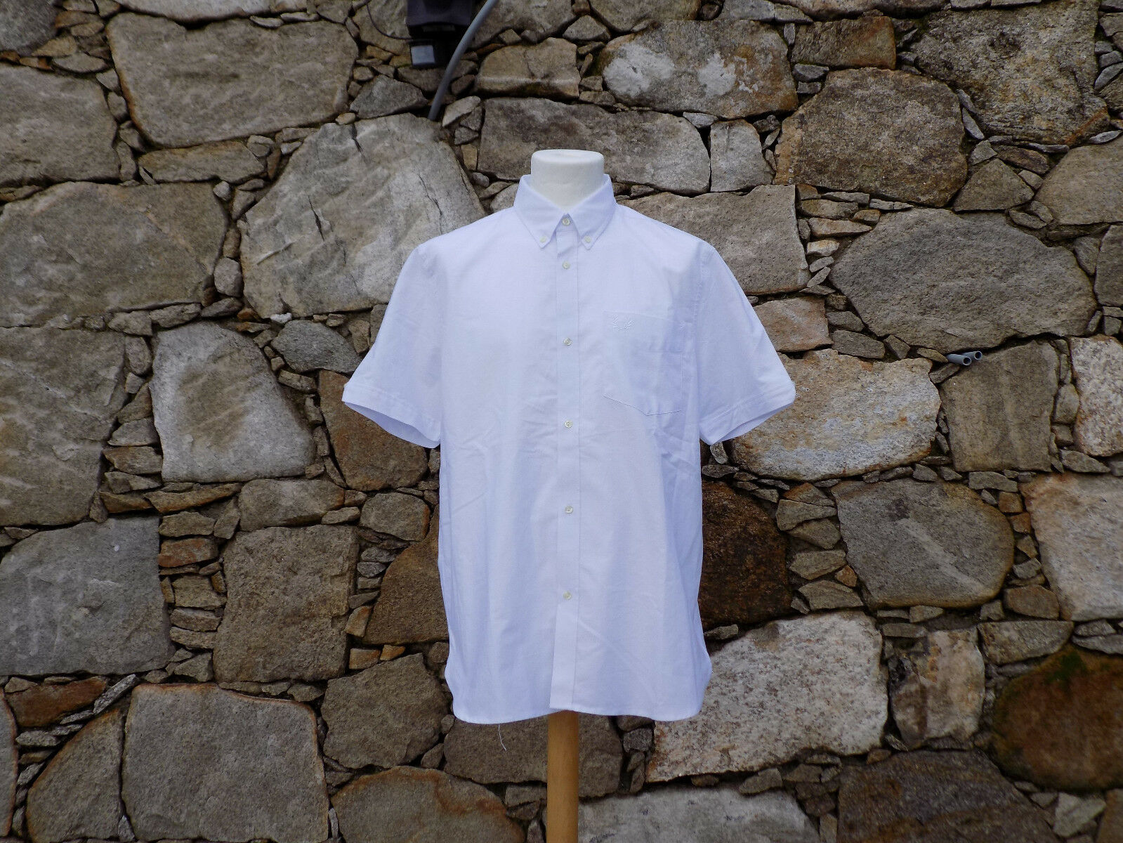 FRED PERRY.  Reissues Short Sleeve Shirt M8145. 100% Cotton. Size 42. BNWOT