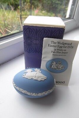 Wedgwood Tufted Duck Egg Trinket Dish Easter Series 1979 Boxed Blue Jasperware