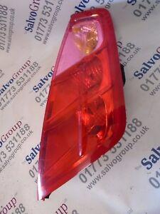 FIAT-GRANDE-PUNTO-2006-2009-O-S-DRIVER-SIDE-REAR-LIGHT-INC-BULB-HOLDER