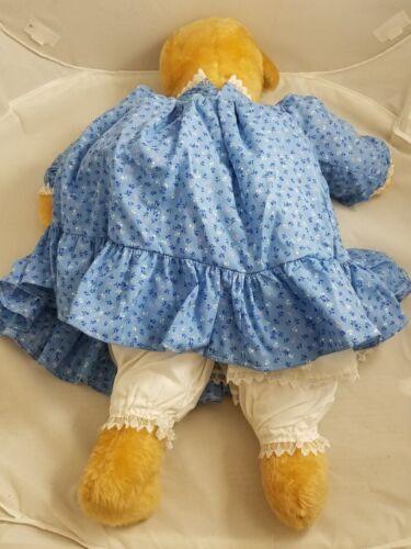 Teddys Vintage 1970s Plüsch Gefülltes Blond Teddybär in Blau Calico Kleid Unterrock