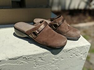 Adelaide Brown Wedge Mule Clogs Size