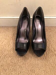 Women-s-Black-Rampage-Heels-Size-8M