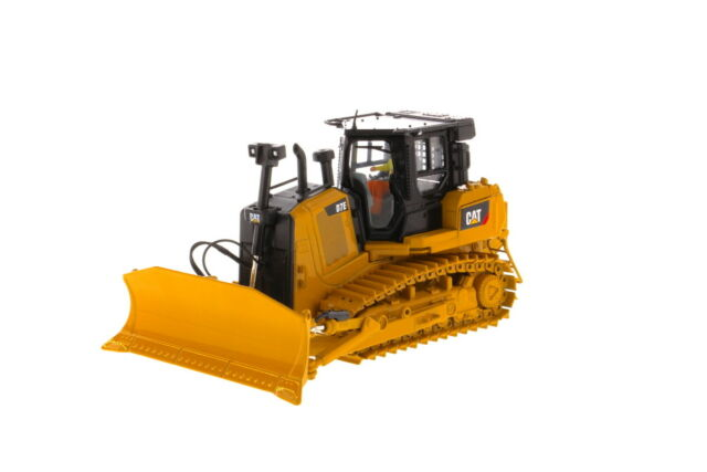 CATERPILLAR D7E PIPELINE DOZER with WINCH - 1:50 Scale by Diecast Masters  85555