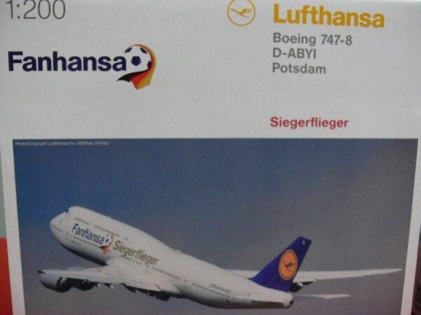 1 200 Herpa Lufthansa Boeing 747-8 Intercontinental Fanhansa   Siegerflieger ...