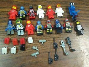 LEGO-Space-man-Minifigures-Astronaut-Red-Black-White-Blue-robot-80s-90s-lot-rare