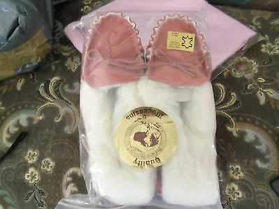 United Ladies Soft Sole Pink Moccasins Size 6 Diversified Latest Designs Slippers