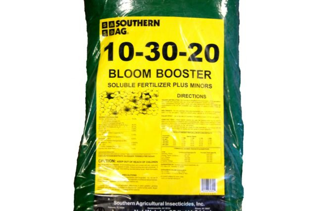 10-30-20 Fertilizer Bloom Booster Water Soluble Start Root Plant -  25lb Bag