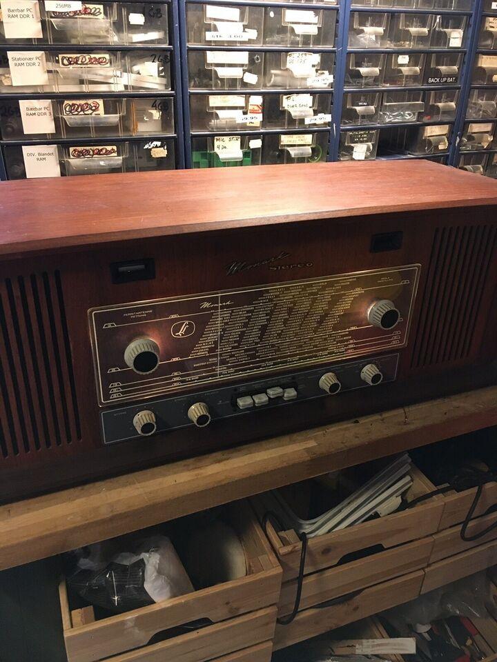 Rørradio, Linnet & Laursen, Monark