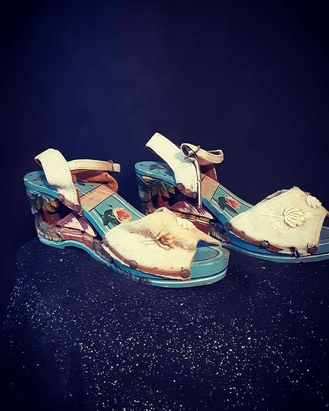 1940's Carved Wood Wedge Sandals from the Philipp… - image 2