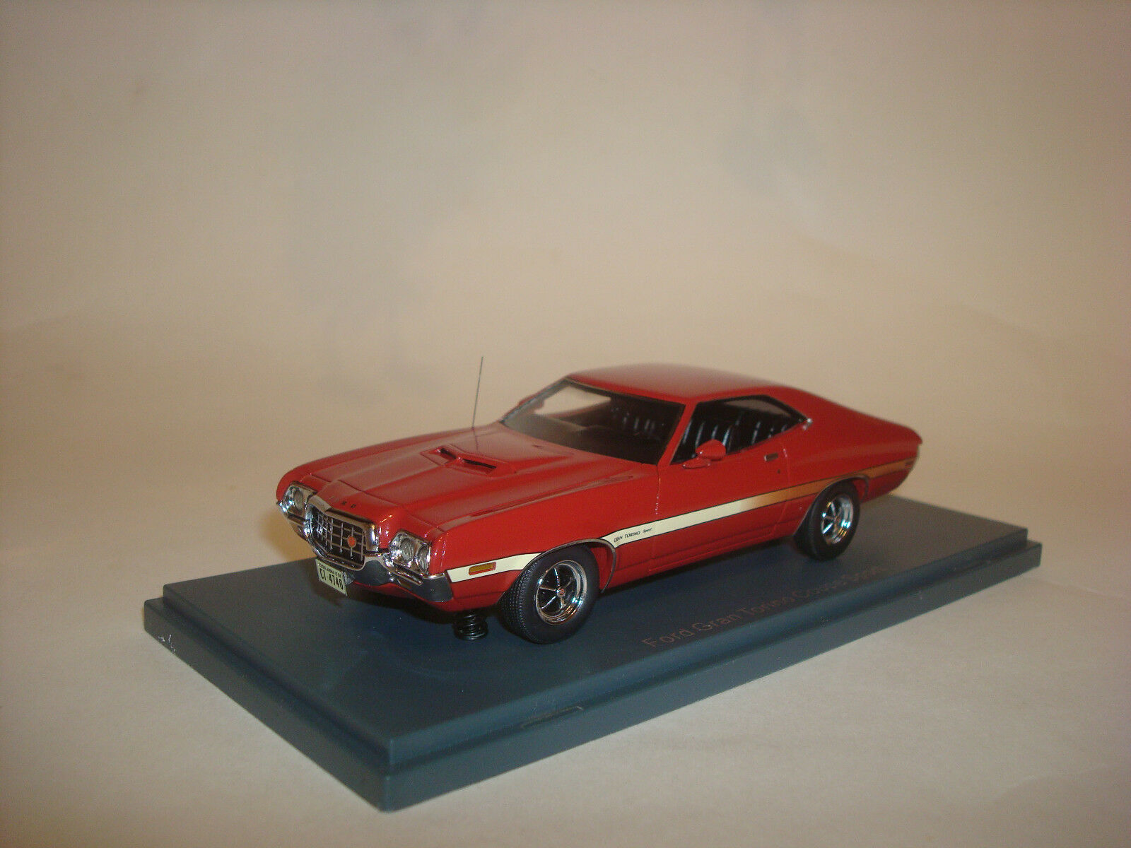Ford Gran Torino Coupe Sport röd 1972 1 43 NEO 44740
