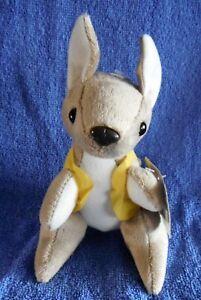 Aussie-Kangaroo-14cm-Jumbuck-plush-tag