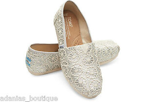 741ee8a5113 TOMS SILVER CROCHET GLITTER WOMEN S CLASSICS SHOES. STYLE   10006150 ...