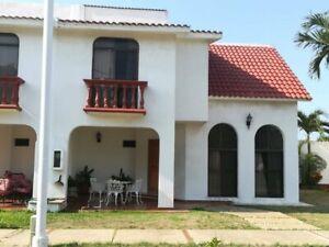 Casa en Venta, Fracc. Bugambilias, Coatzacoalcos, Veracruz