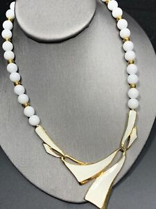 Vintage-White-Enamel-large-beaded-bib-statement-necklace-18-Long