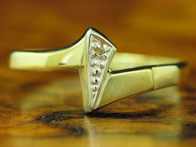 8kt 333 yellowgold Ring mit Diamant Solitär Besatz   RG 60,5   1,0g