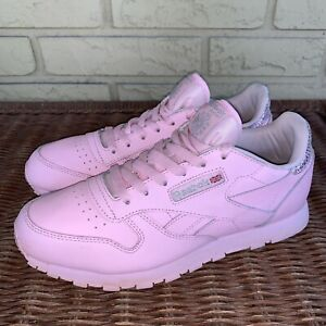 Reebok Women's 6 Bubblegum Pink Classic