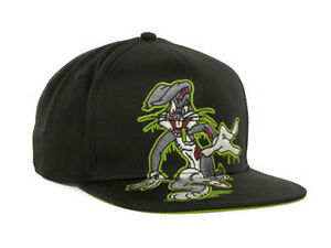 Looney Tunes Bugs Bunny Slimed Silly Rabbit Snapback Flat Bill Brim ... 74248e949d4