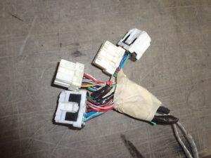 AM FM Cassette Bose Radio Wire Harness Nissan Pathfinder 99 00 01 02 03 04