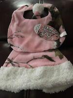 Realtree Apc Baby Hat And Bib Pink Camo