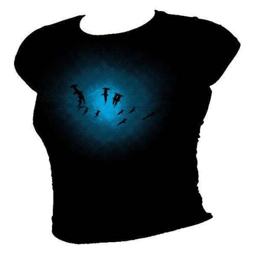 Great HAMMERHEAD SHARK shoal deep ocean scuba diving Mens T-shirt