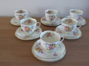 Royal-Doulton-Maytime-20-piece-Tea-set