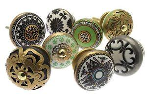 Set misto di pomelli in ceramica per cassetti e comodini stile