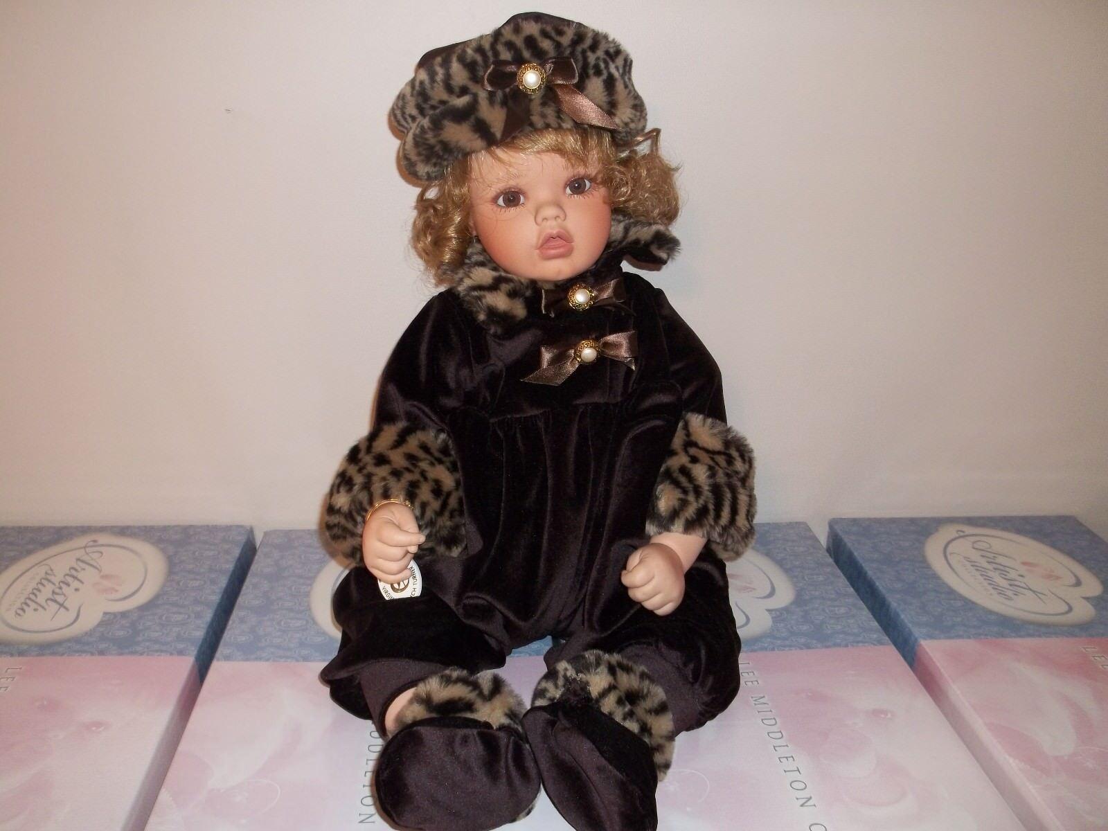 Muñeca de Turner-cierra-Seminuevo-sólo pantalla de coleccionista de no fumadores