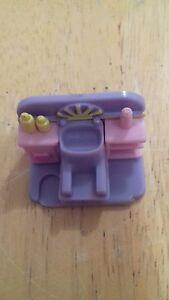 1995-VINTAGE-POLLY-POCKET-COMB-N-CURL-SALON-VARIATION-HAIR-WASHING-SINK-PLAYSET