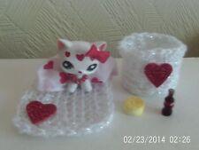Littlest Pet Shop Cat Personalizado Miss Corazones Con Accesorios Cama Conjunto Cola Pastel