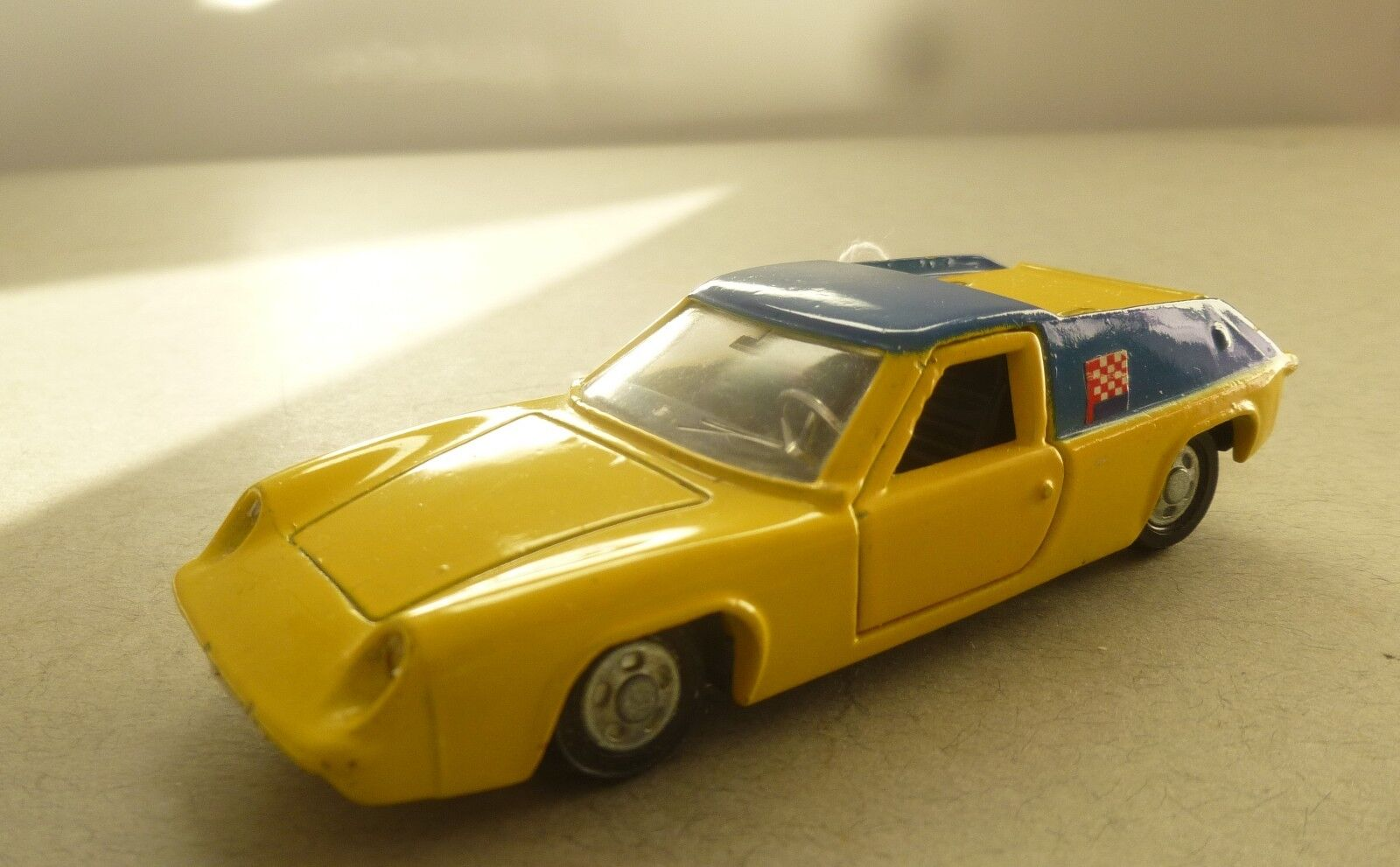 prydlig leksaker Lotus Europa Sports tävlings bil på 70 -talet prydlig leksak tävlings bils