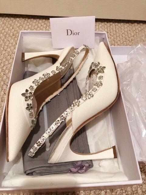 Christian Dior Charol en blancooo con Flores de Cristal (totalmente Nuevo Con Caja 38.5