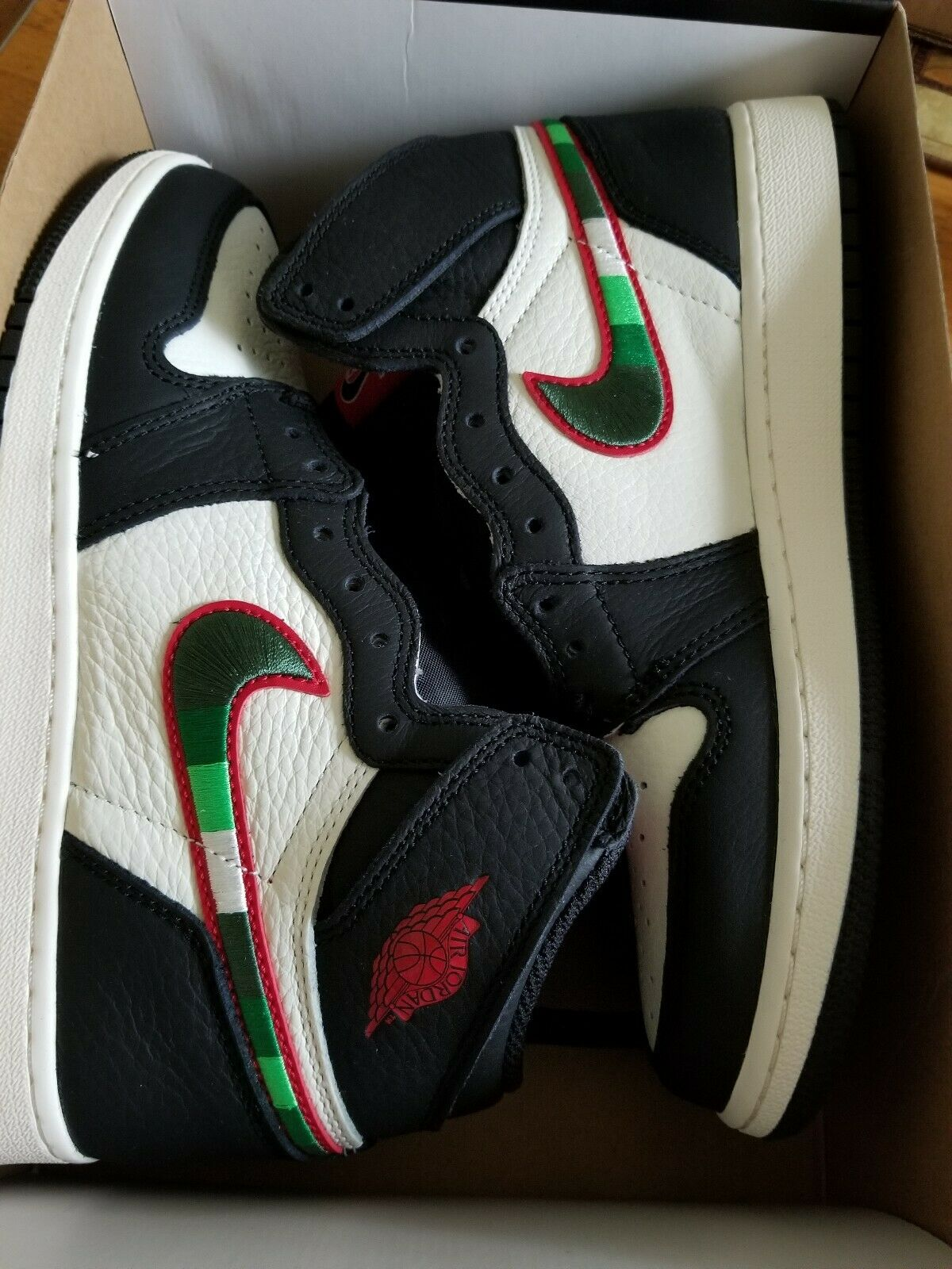 Air Jordan Retro 1 High OG Sports Illustrated A Star Is Born Size 6.5 youth