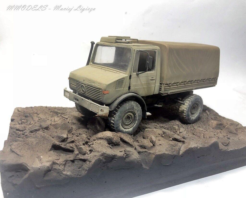 Diorama  Unimog U1200 on desert - 1 35 - built and painted