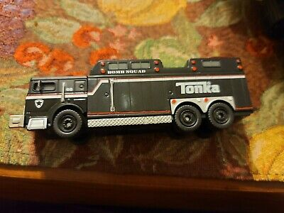 """Tonka #56419 Rescue Rig Fire Rescue 6 1//8/"""" Long Mint//Never Opened Blister Pack"""