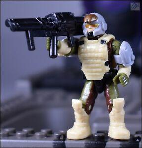 Mega Bloks Halo Green UNSC Marine Figure with Battle Rifle from Elephant Set