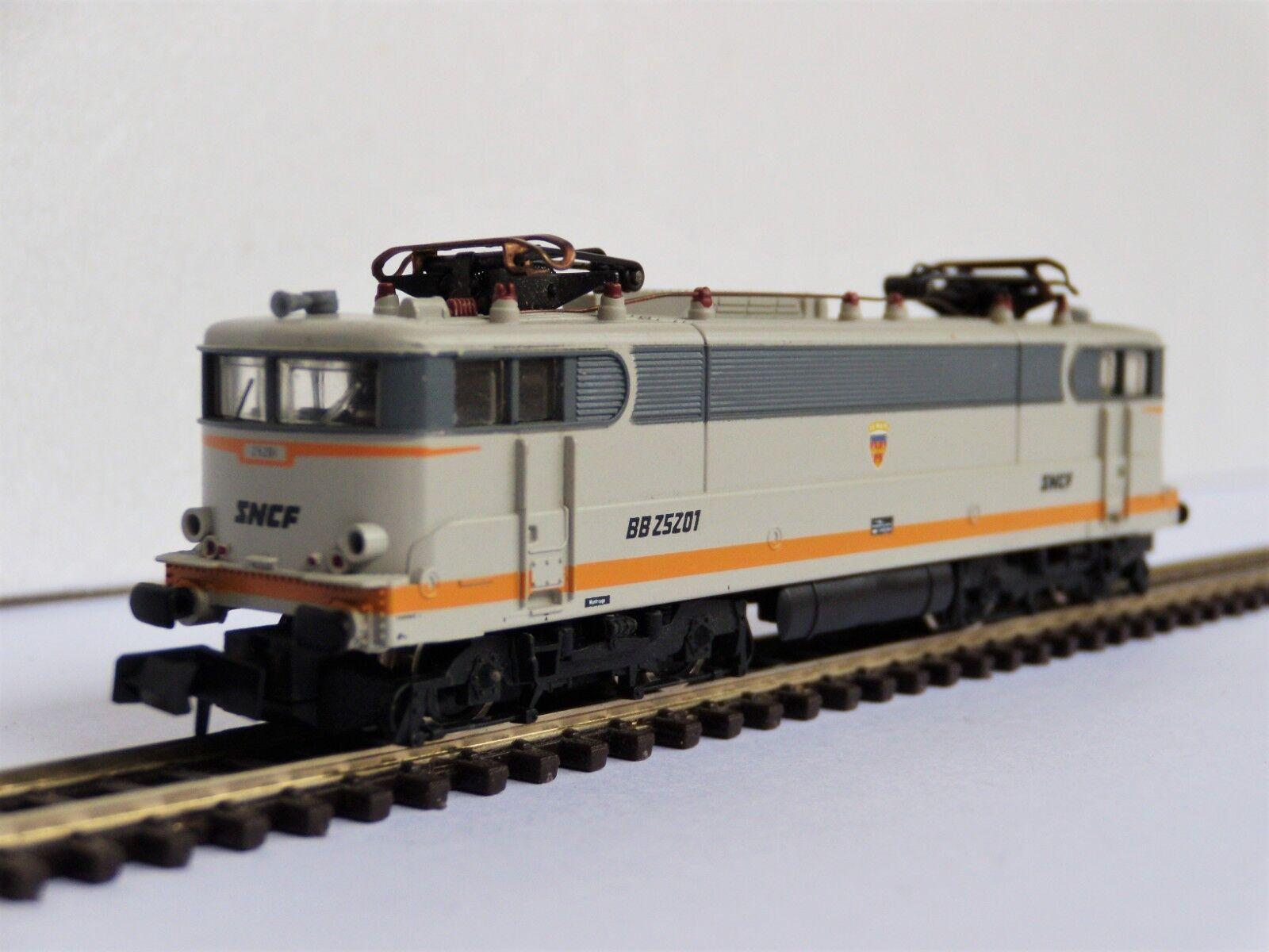 Locomotive électrique BB 25200 SNCF BB 25201 Arnold 2471 échelle N