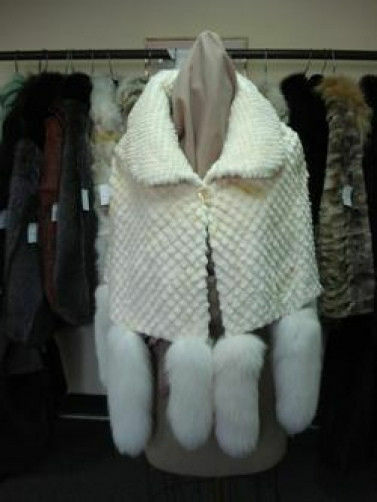 BRAND NEW SHEARED BEAVER CAPE W  FOX FUR TAILS WOMEN