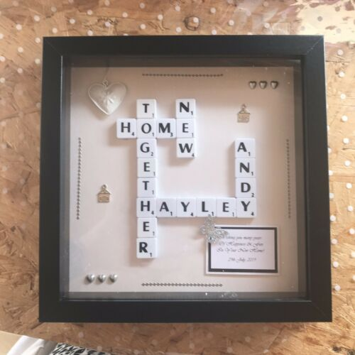 Nouvelle maison cadeau.. personnalisé Scrabble Cadre