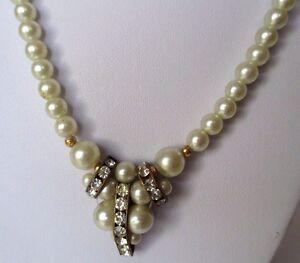 collier-perles-blanches-deco-central-cristal-diamant-bijou-retro-couleur-or-343