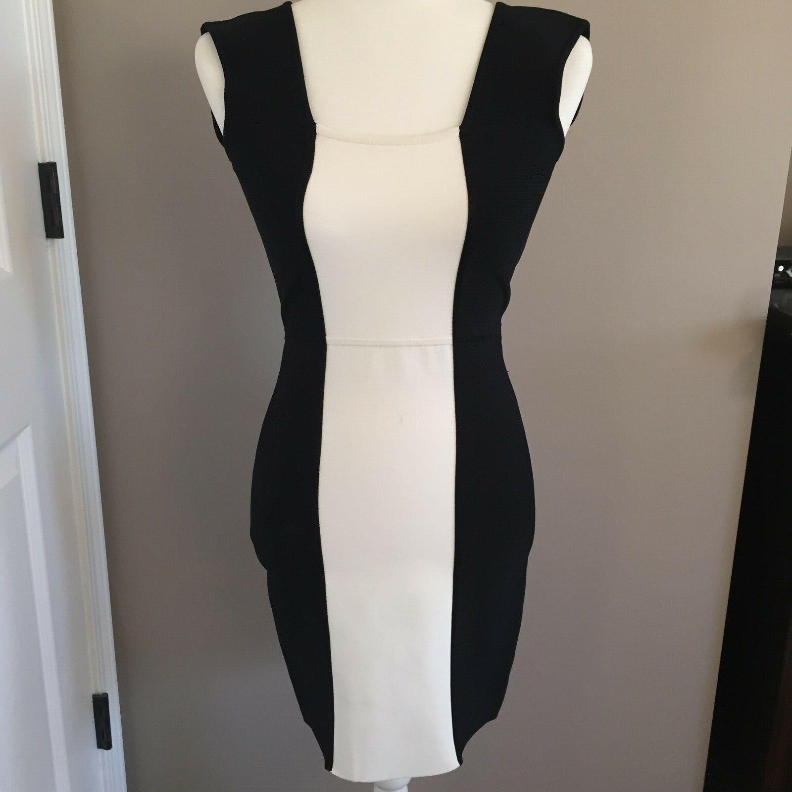 NWT BCBG Maxazria Größe M schwarz & Weiß Knit Bodycon Dress