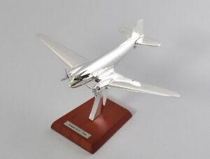 Douglas DC-3 1935 1:200 plane Airplane Silver Classic Diecast